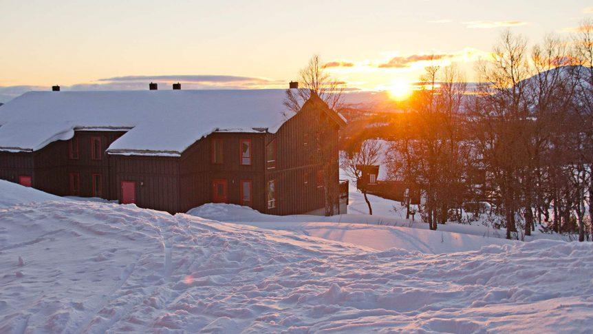 Rauland Høgfjellshotell i solnedgang (Foto: Danny Seterdal)