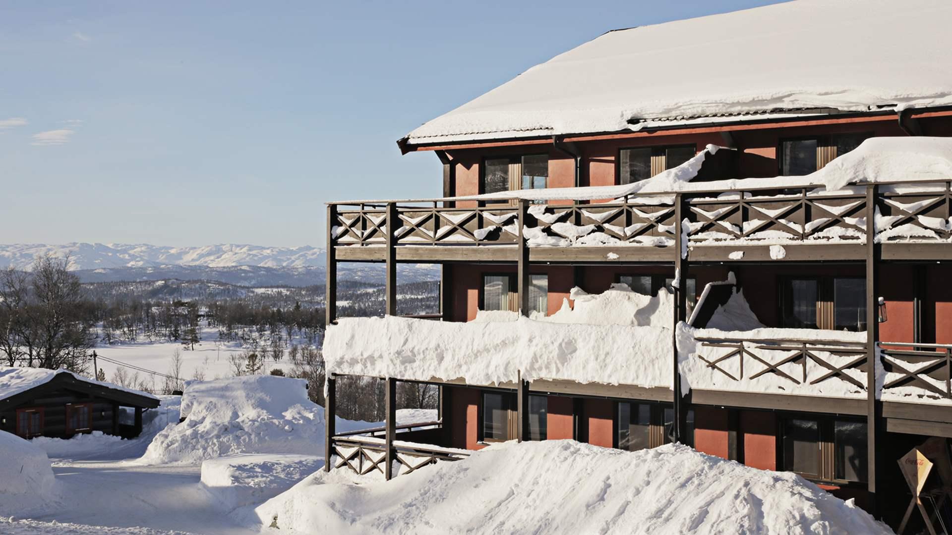 Rauland Høgfjellshotell eksteriør vinter (Foto: Danny Seterdal)