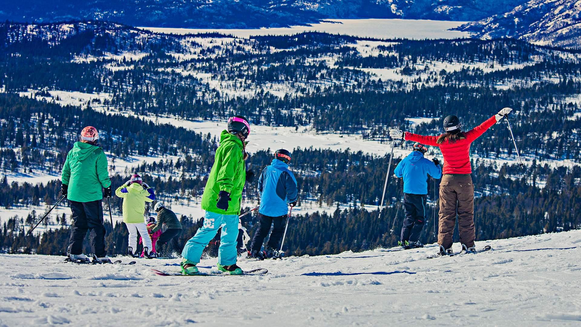 Gjeng på skitur